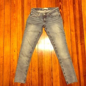 Levi's 524 Too Super Low Skinny Jeans 26 / 3